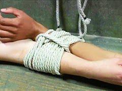 Заморочки в пыточной камере отдаются какому-то гаду